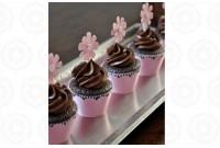 Mini Cupcakes de Chocolate com Flor no Topo
